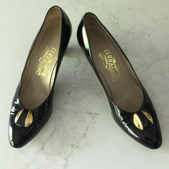 eb8117f92ca2c Salvatore FERRAGAMO Black patent leather heels